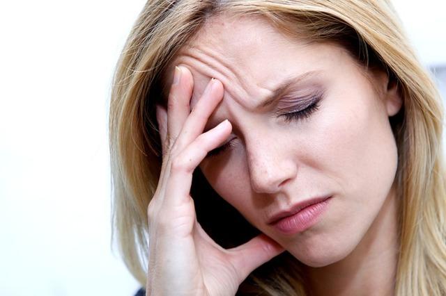 Болит голова в висках: что принимать при сильной боли в правом и левом висках