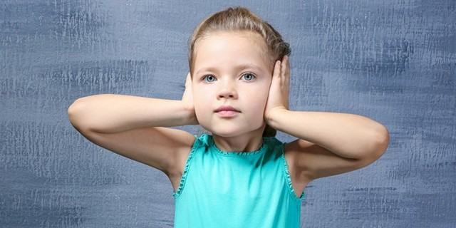 Потеря слуха, тугоухость, глухота, ребенок плохо слышит: причины и лечение
