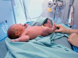 Преждевременные роды до 28 недель, роды до 37 недель, помощь недоношенному ребенку