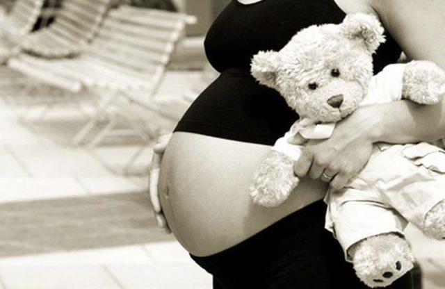 Ранняя беременность у подростков, в 16 лет: признаки, симптомы, что делать