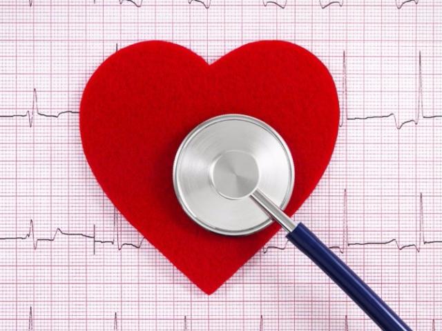 Инфаркт миокарда: симптомы и первые признаки инфаркта, причины развития, диагностика, методы лечения и меры первой помощи при инфаркте