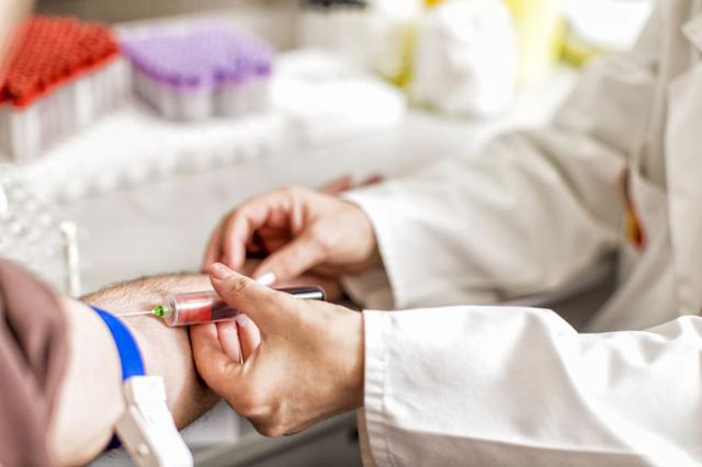Анализы на ВИЧ: когда сдавать, какие бывают анализы на ВИЧ, когда сдавать после заражения.