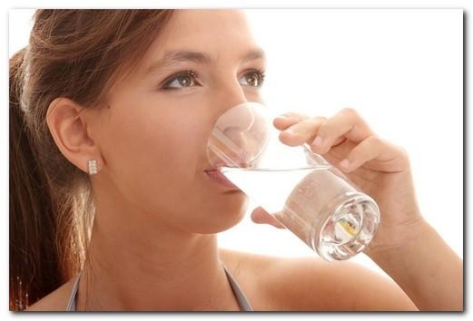 Причины сухости во рту: при какой болезни появляется, почему пересыхает во рту