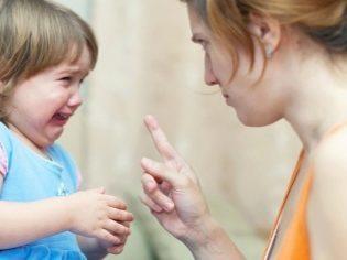 Ребенок истерик и отстает в развитии, что можно сделать?